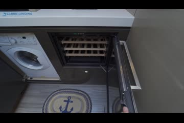 Cruisers Yachts 60 Cantius video