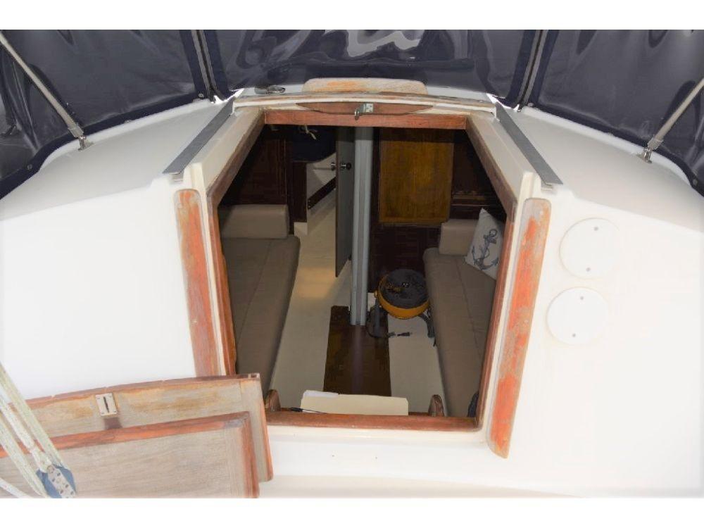 Pearson 303 Sloop - Cabin Entrance