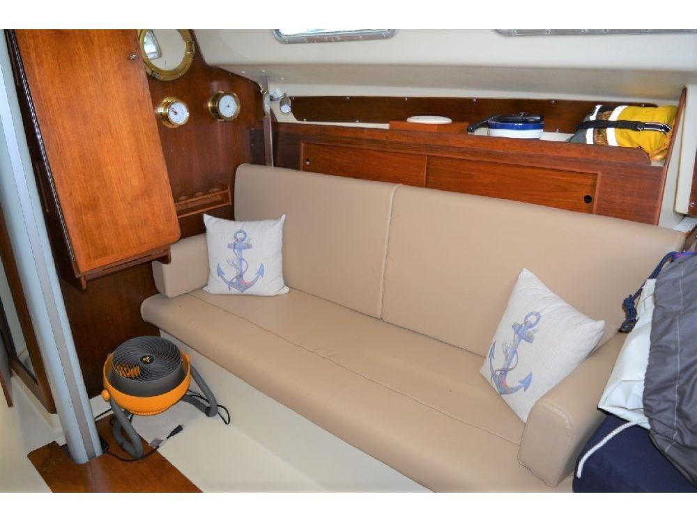 Pearson 303 Sloop - Starboard Side Settee