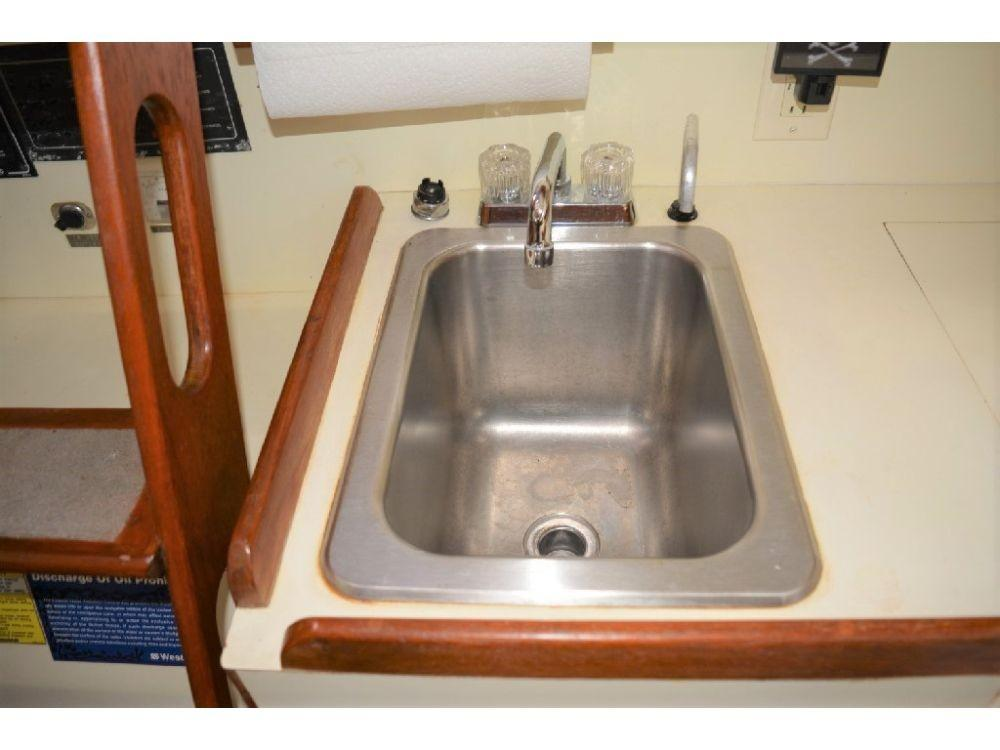Pearson 303 Sloop - Galley Sink