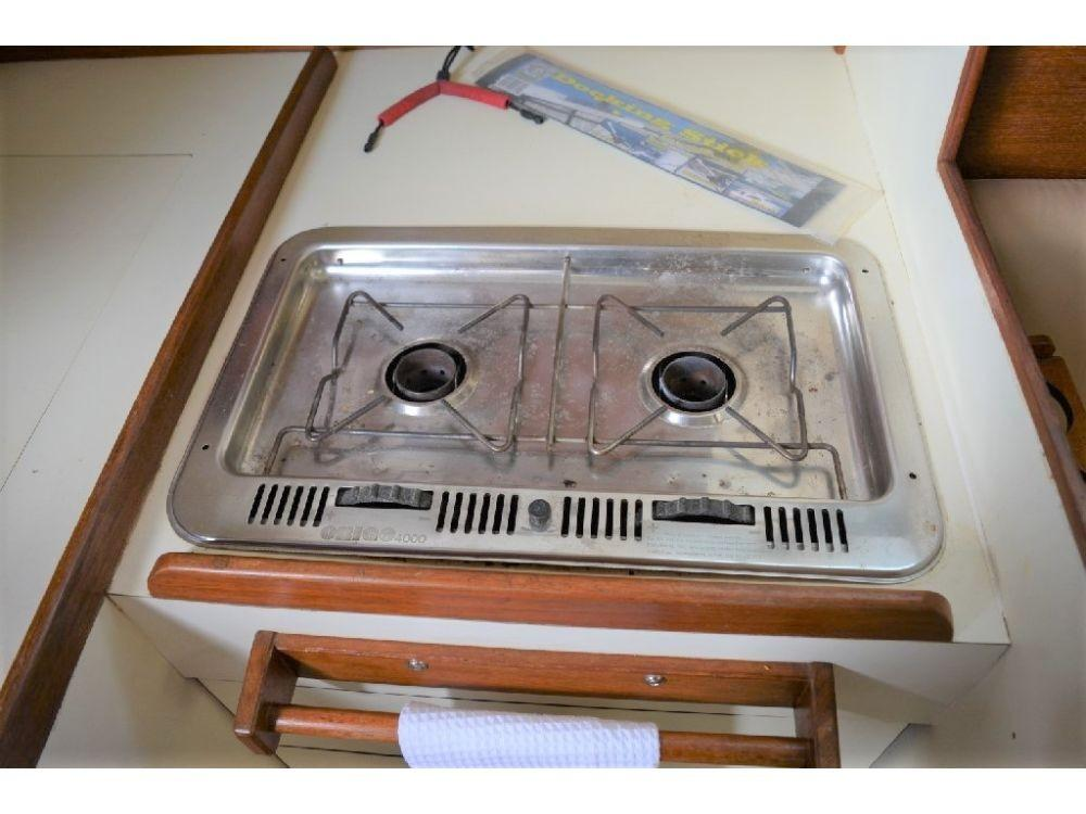 Pearson 303 Sloop - Galley Cooktop 2
