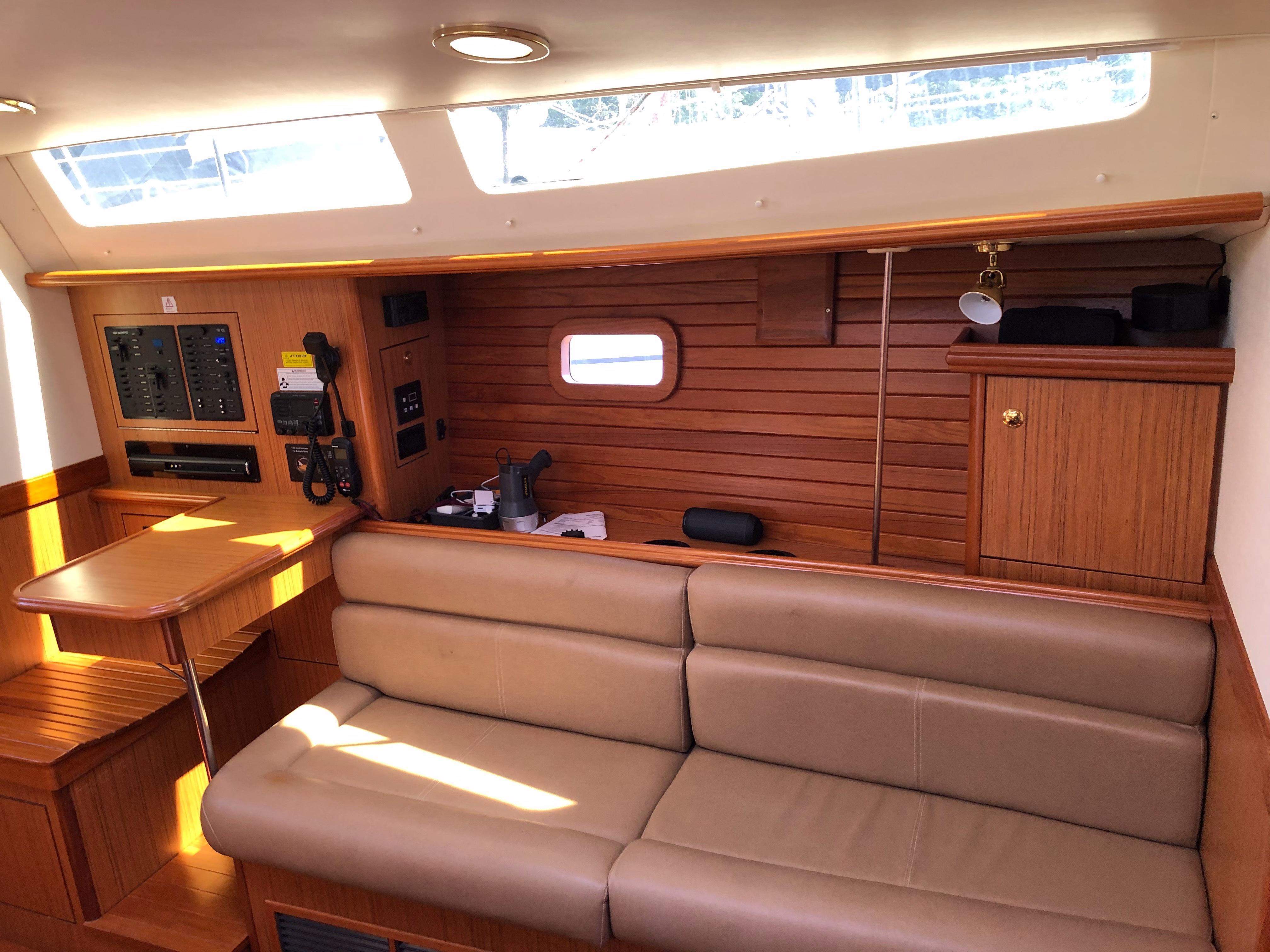 2013 Hunter 40   Sailboats for Sale