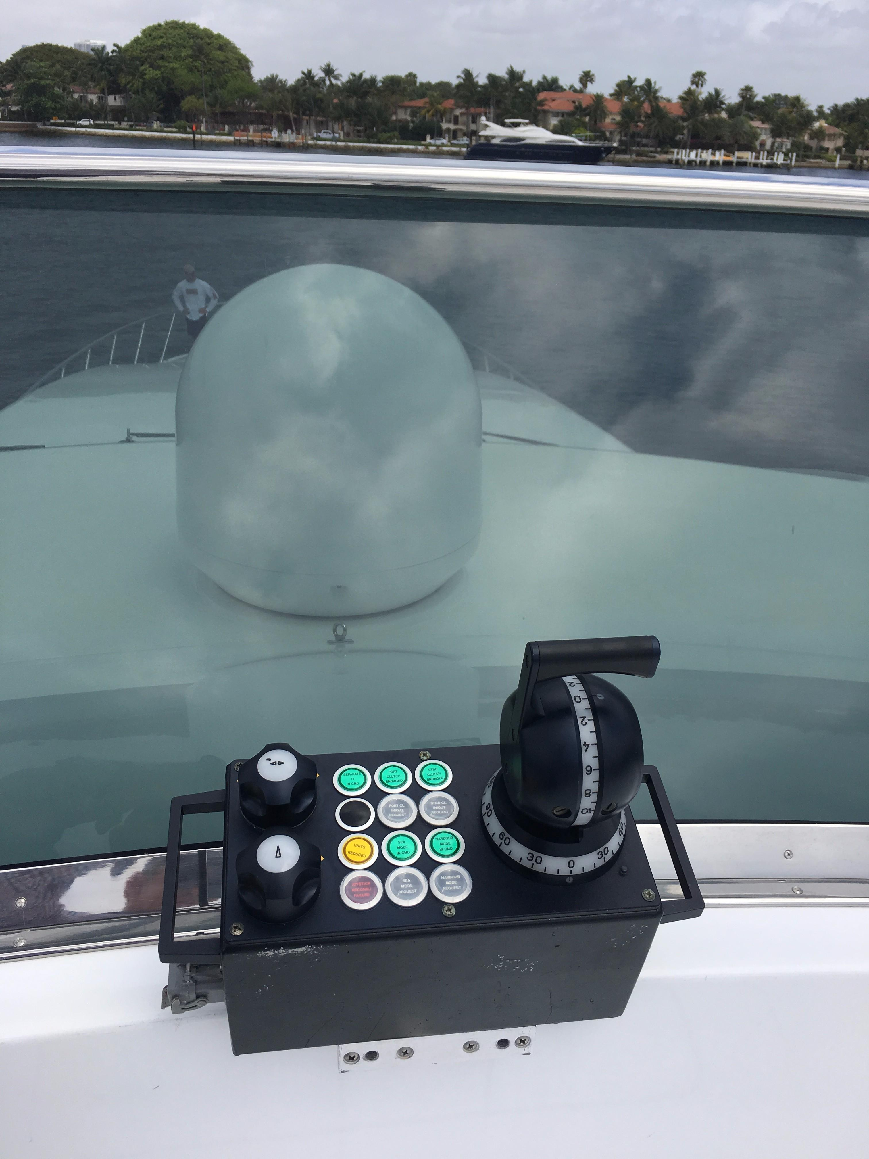 Remote steering station