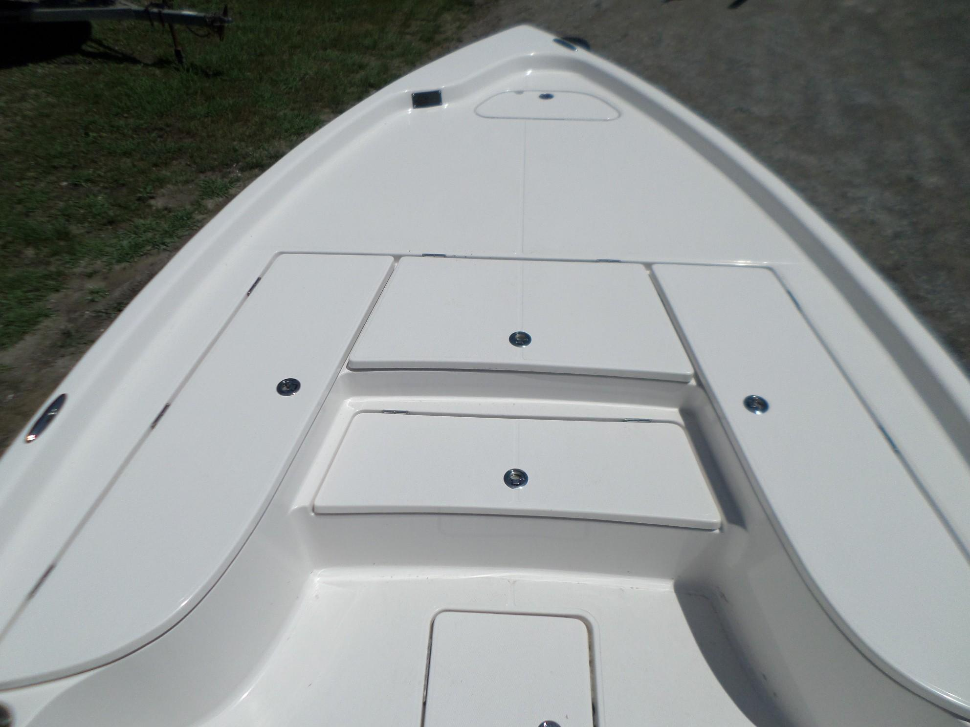 New  2018 24.42' Blue Wave 2400 PureBay Bay Boat in Slidell, Louisiana