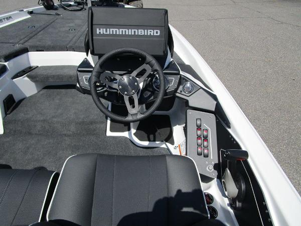 2021 Skeeter boat for sale, model of the boat is ZXR 20 & Image # 13 of 31