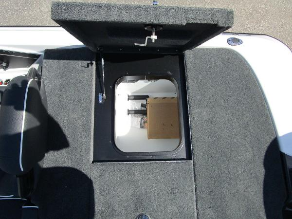 2021 Skeeter boat for sale, model of the boat is ZXR 20 & Image # 17 of 31