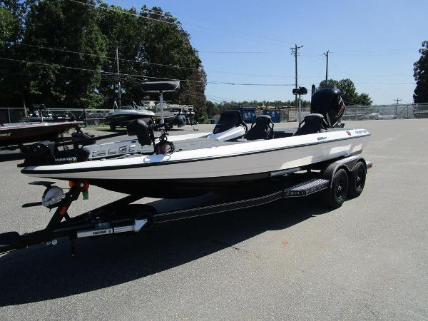 2021 Skeeter boat for sale, model of the boat is ZXR 20 & Image # 21 of 31