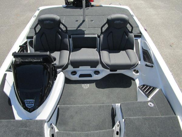 2021 Skeeter boat for sale, model of the boat is ZXR 20 & Image # 27 of 31