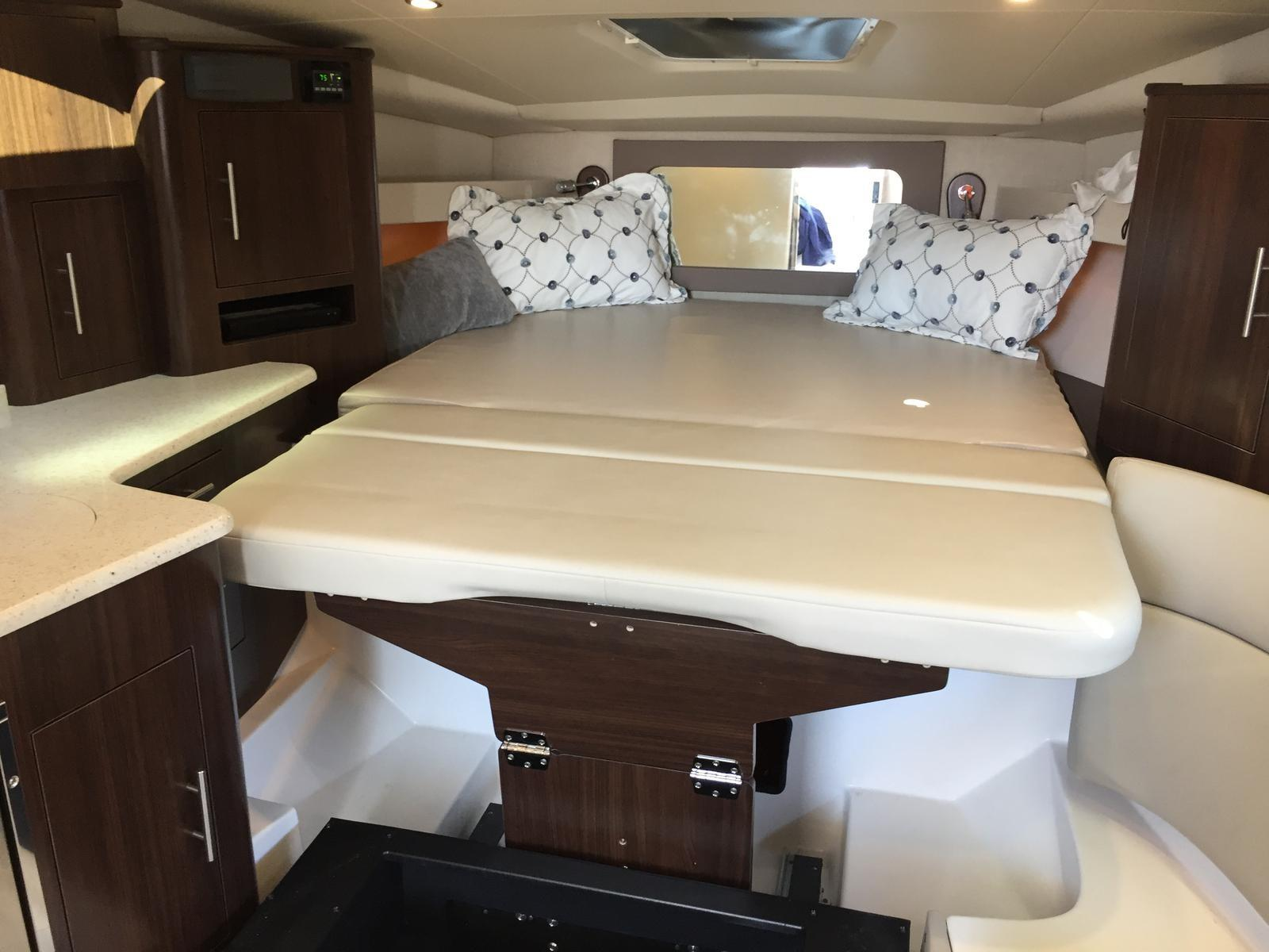 Regal 35 Sport Coupe - Forward berth - seating extends length