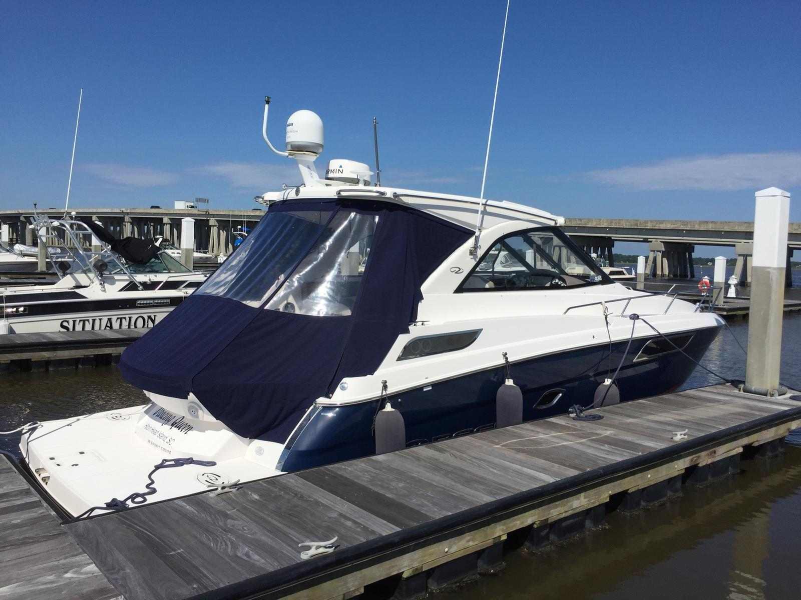 Regal 35 Sport Coupe - Starboard Profile