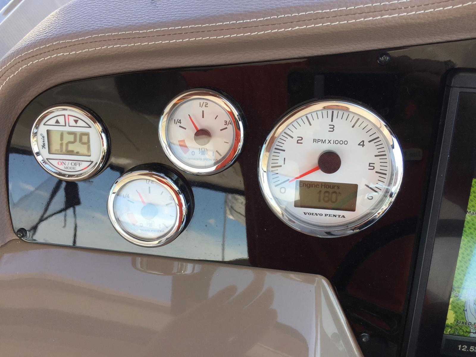 Regal 35 Sport Coupe - Gauges