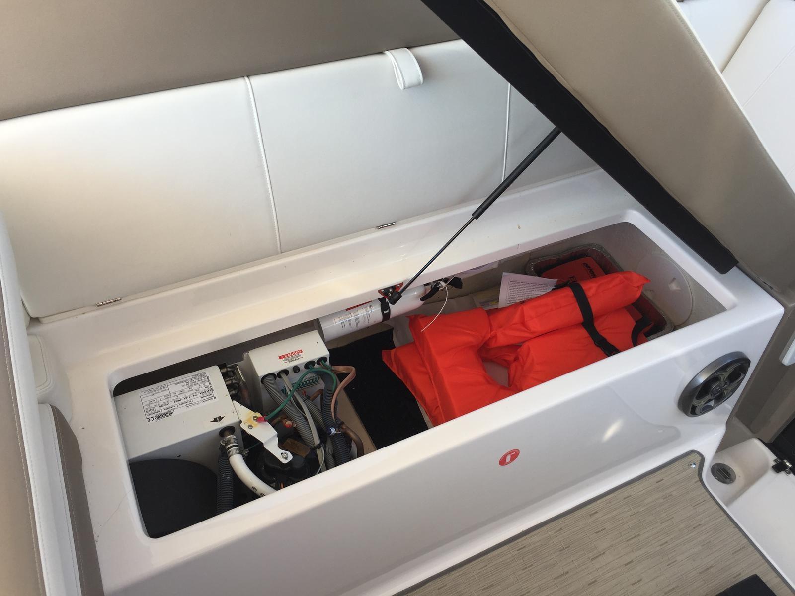 Regal 35 Sport Coupe - Storage under companion seat