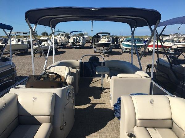 2017 Cypress Cay boat for sale, model of the boat is Seabreeze 232 CS-L & Image # 5 of 9