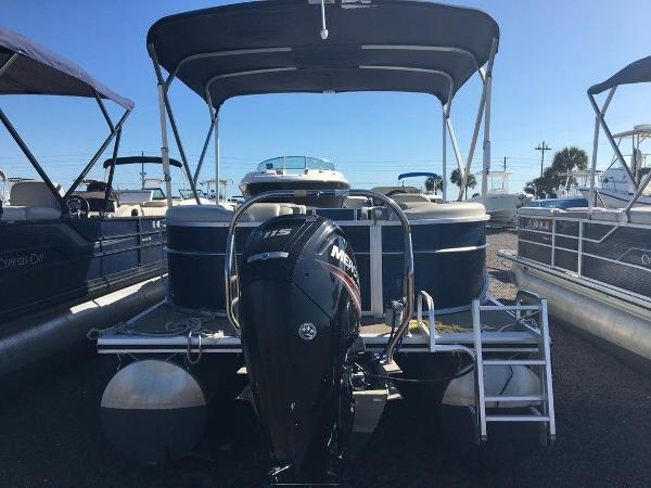 2017 Cypress Cay boat for sale, model of the boat is Seabreeze 232 CS-L & Image # 8 of 9