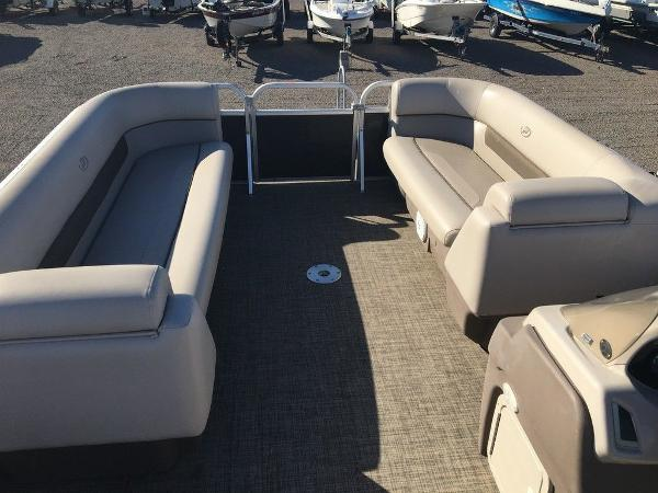 2018 Princecraft boat for sale, model of the boat is Vectra 23 & Image # 3 of 6