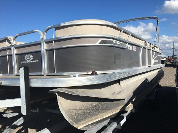 2018 Princecraft boat for sale, model of the boat is Vectra 23 & Image # 5 of 6