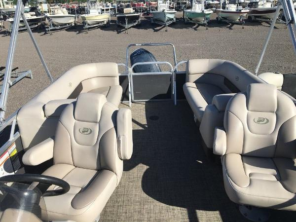 2018 Princecraft boat for sale, model of the boat is Vectra 23 & Image # 6 of 6