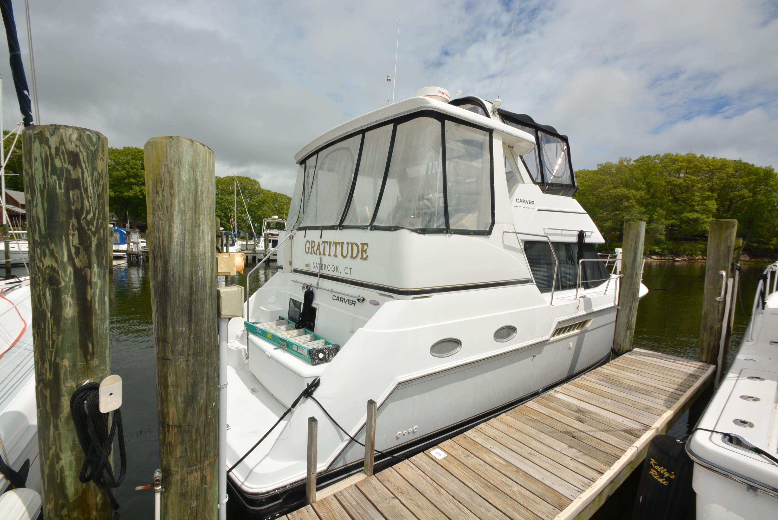 1999 Carver 356 Aft Cabin Motor Yacht For Sale Offshore