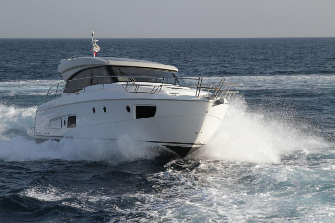 Manufacturer Provided Image: Bavaria Virtess 420 Coupe Hull
