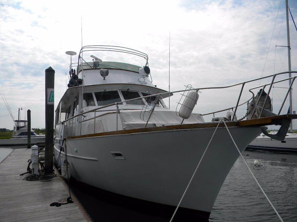 yacht sales brokerage nc new bern used sailboats. Black Bedroom Furniture Sets. Home Design Ideas