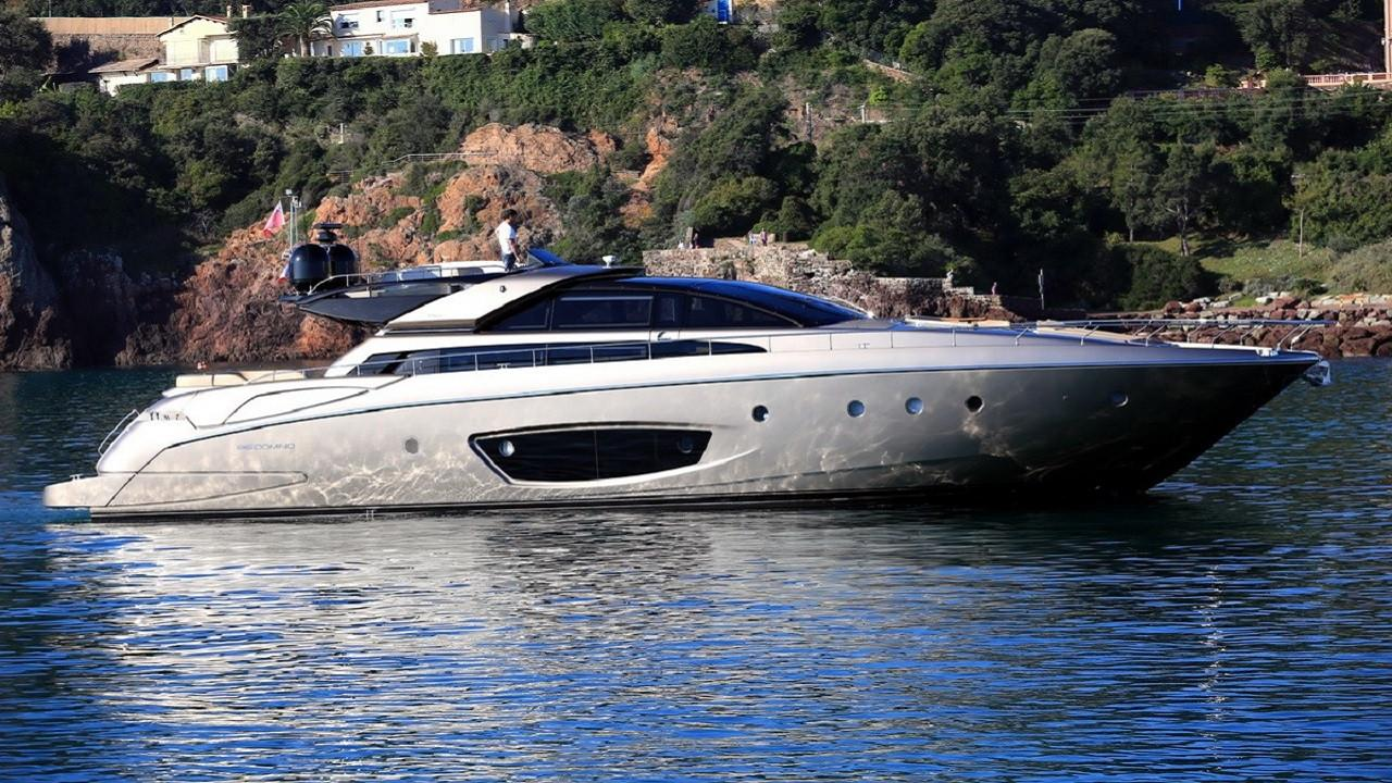 86.61 ft Riva 86′ DOMINO