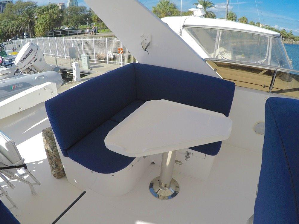 Flybridge Seating Port
