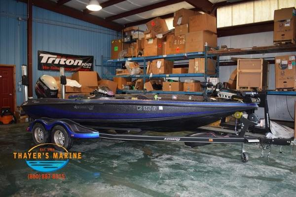 2012 Stratos boat for sale, model of the boat is 201XL & Image # 7 of 47