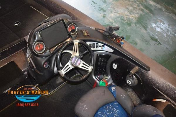2012 Stratos boat for sale, model of the boat is 201XL & Image # 14 of 47