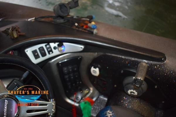 2012 Stratos boat for sale, model of the boat is 201XL & Image # 20 of 47