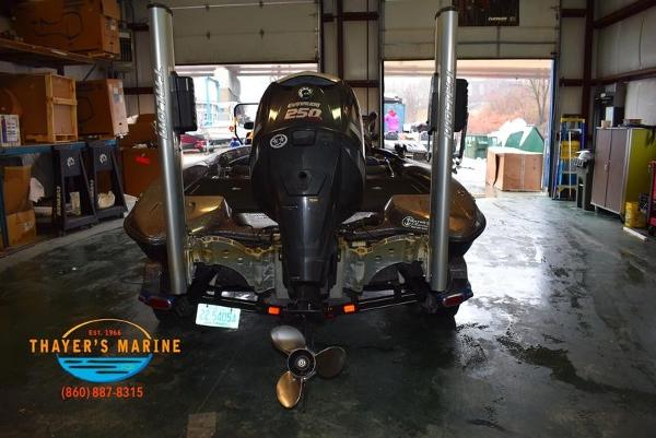 2012 Stratos boat for sale, model of the boat is 201XL & Image # 29 of 47