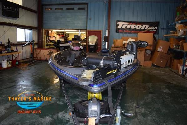 2012 Stratos boat for sale, model of the boat is 201XL & Image # 32 of 47