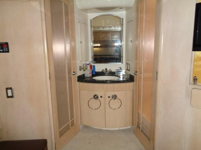 Carver 530 Voyager Pilothouse - Photo: #44