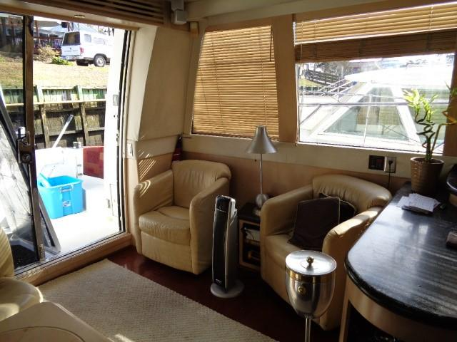 Carver 530 Voyager Pilothouse - Photo: #50