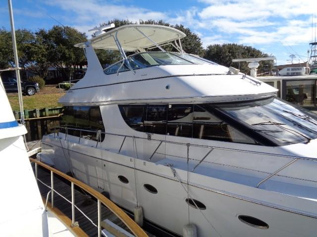 Carver 530 Voyager Pilothouse - Photo: #9