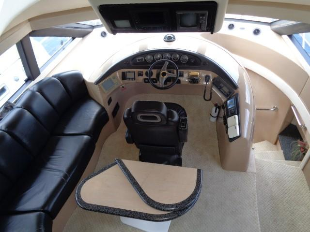 Carver 530 Voyager Pilothouse - Photo: #35