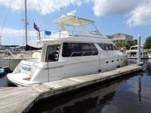 Carver 530 Voyager Pilothouse - Photo: #10