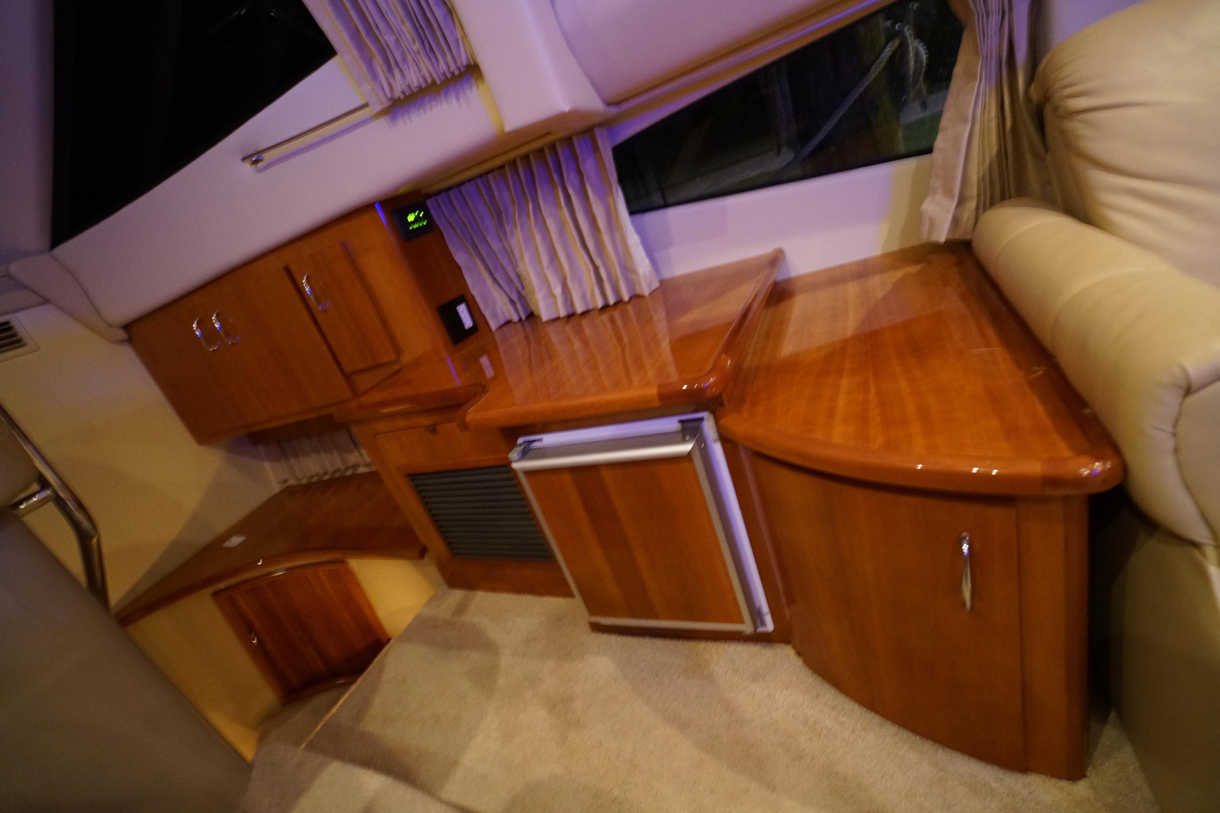 2005 Carver 360 Sport Sedan
