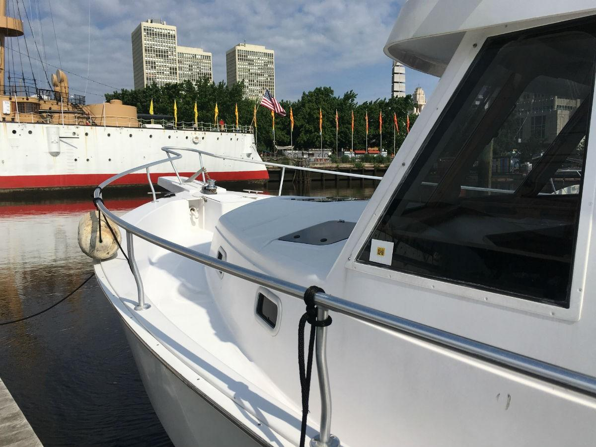 1999 Mainship 390 Trawler - Yacht Sales and Services