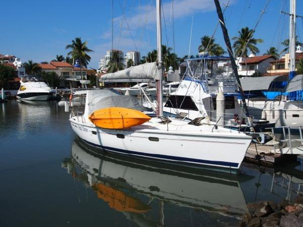 Picture Of:  43' Hunter 430 1995Yacht For Sale | 4 of 23