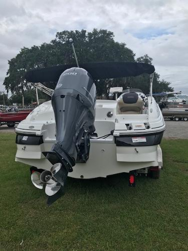 2016 Hurricane boat for sale, model of the boat is SS 203 OB & Image # 10 of 11