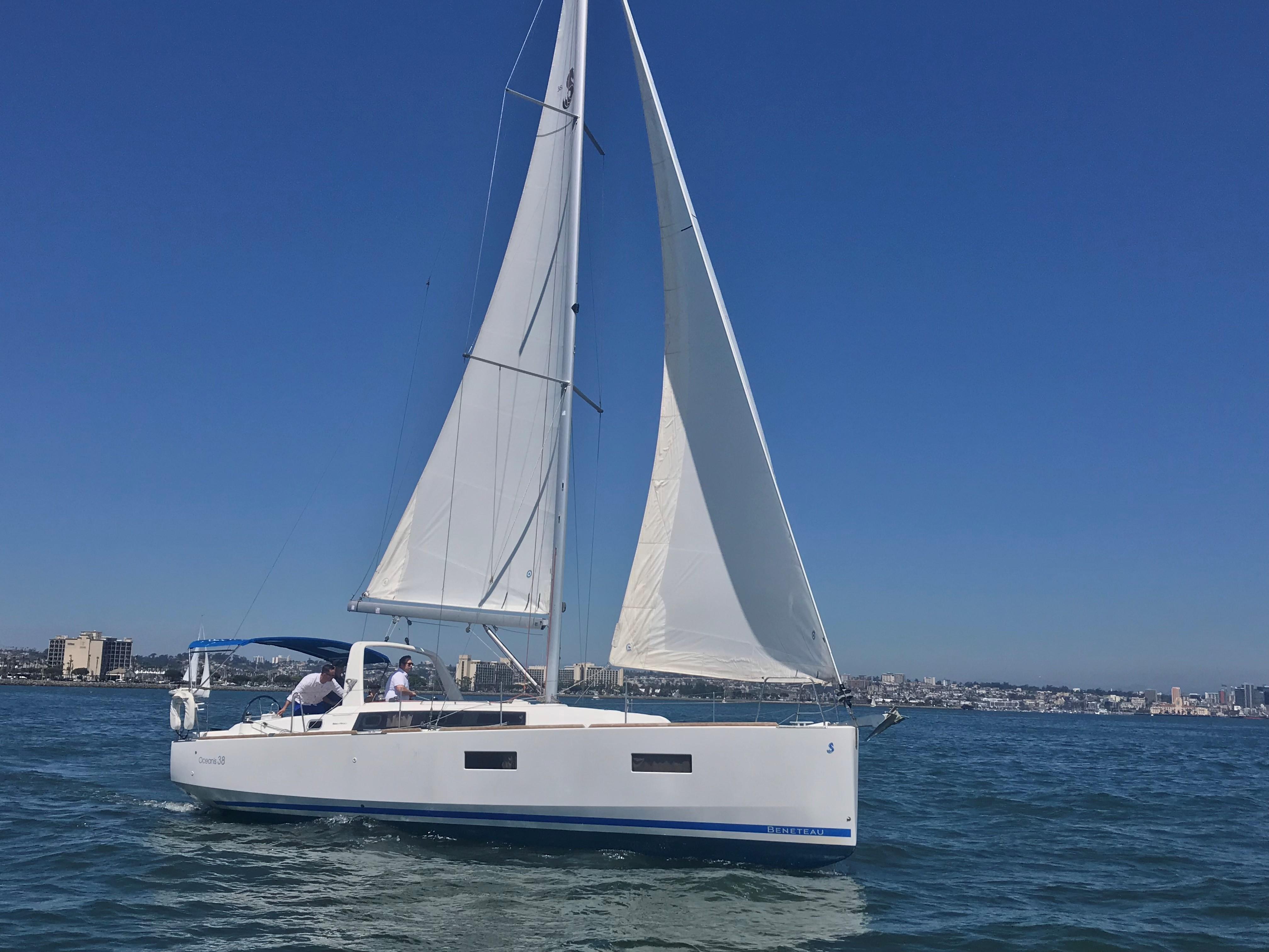 38 Beneteau Luna Mar 2014 San Diego Denison Yacht Sales