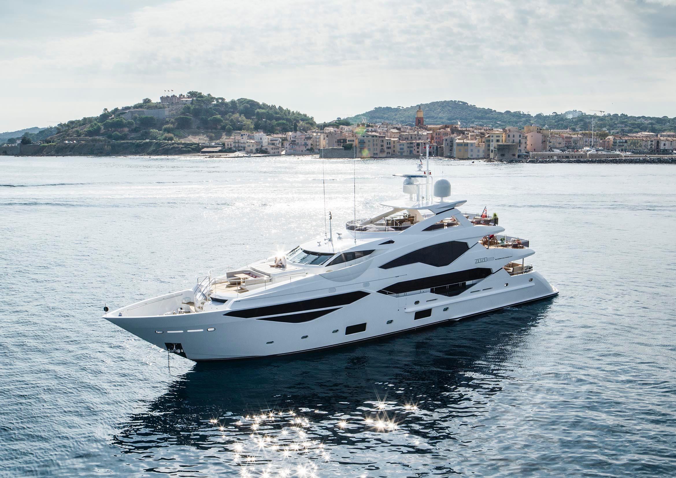 Sunseeker Channel Islands   Luxury Yachts