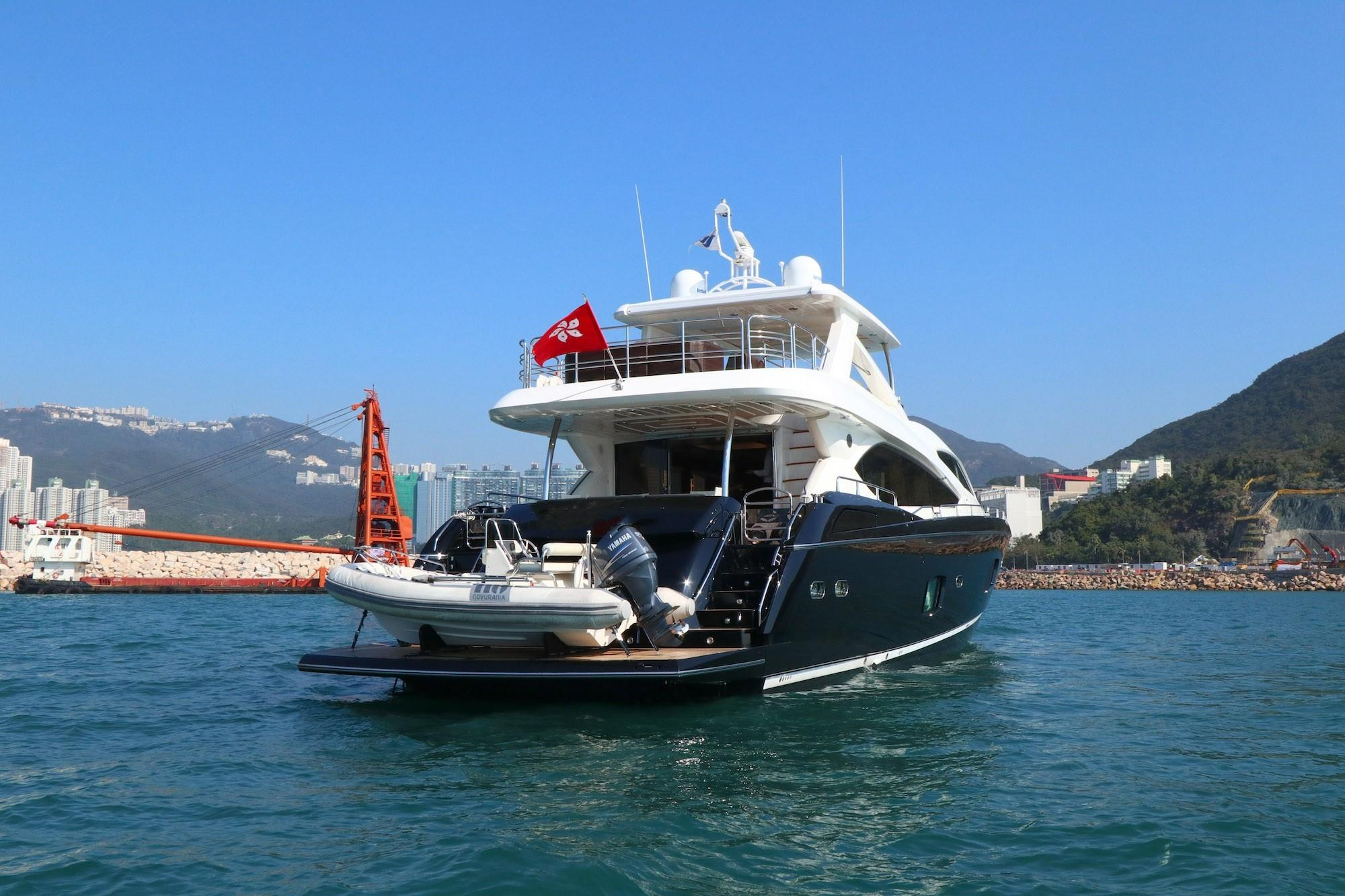 Sunseeker 88 - Stern Profile