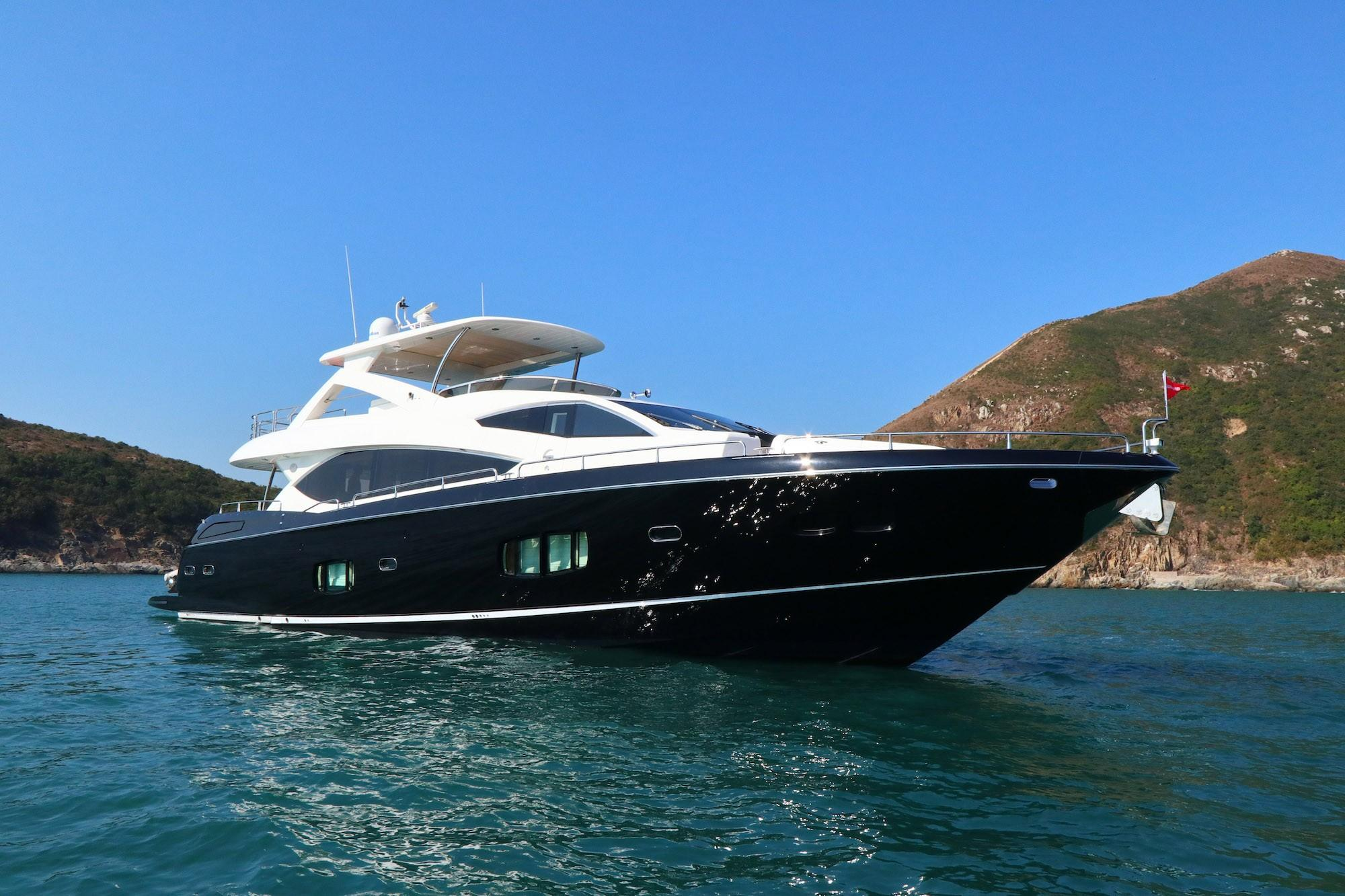 Sunseeker 88 - Bow Profile
