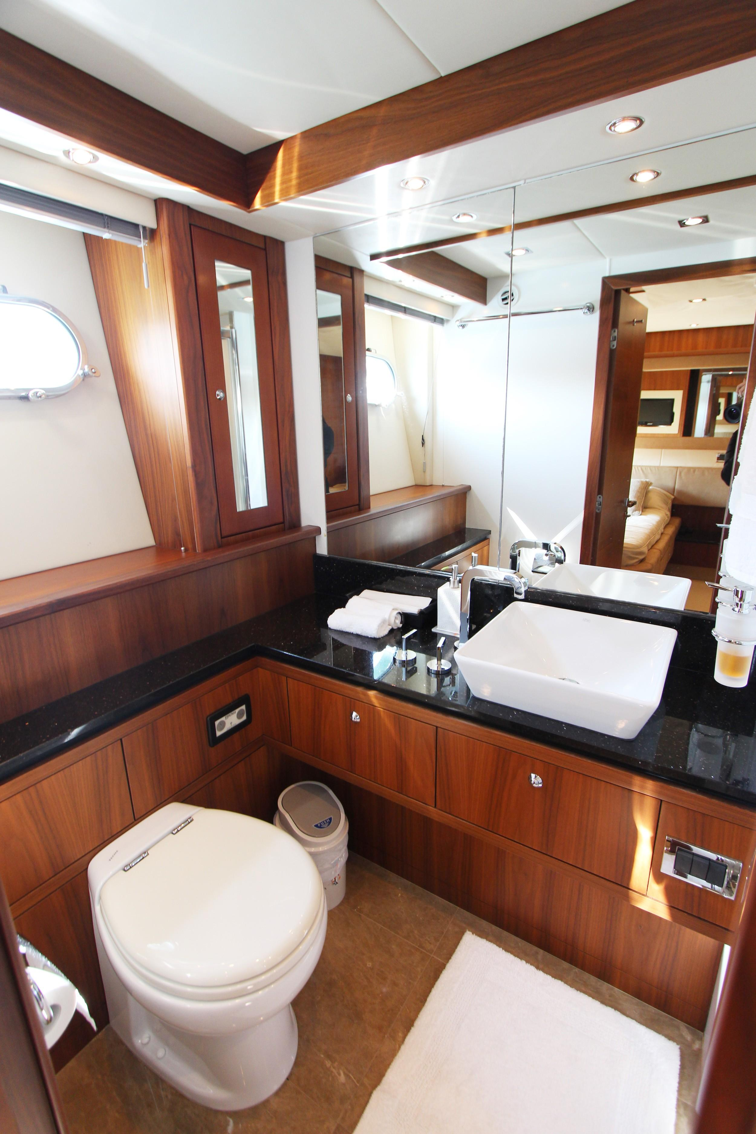 Sunseeker 88 - Guest Bathroom