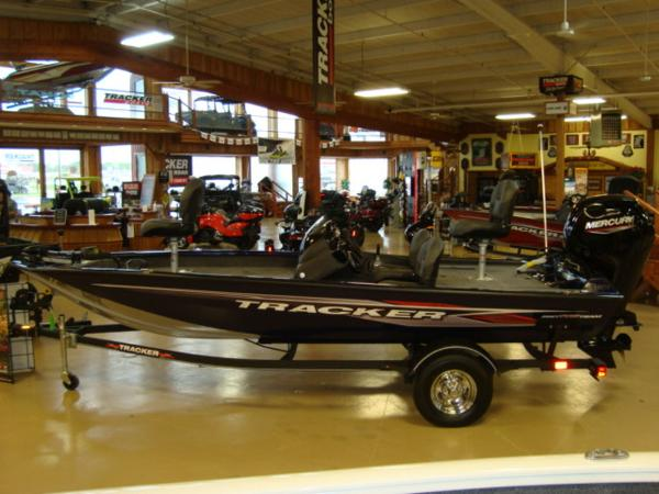 2021 Tracker Boats boat for sale, model of the boat is Pro Team 175 TF® & Image # 1 of 17