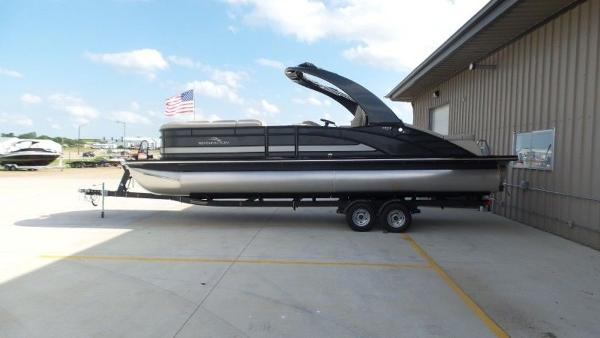 2020 Bennington boat for sale, model of the boat is 25 RSBA & Image # 2 of 31