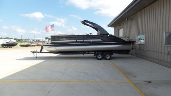 2020 Bennington boat for sale, model of the boat is 25 RSBA & Image # 9 of 31