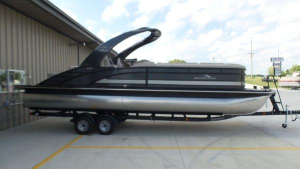 2020 Bennington boat for sale, model of the boat is 25 RSBA & Image # 10 of 31