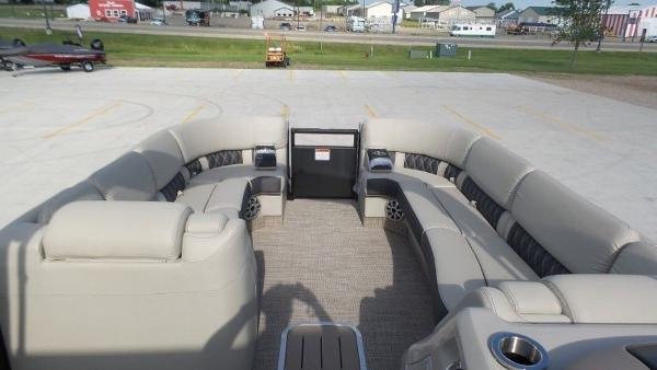 2020 Bennington boat for sale, model of the boat is 25 RSBA & Image # 20 of 31